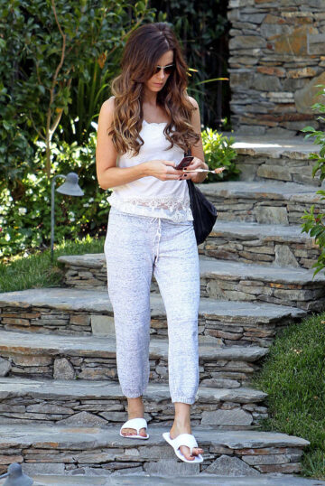 Kate Beckinsale Leaves Her House Los Angeles