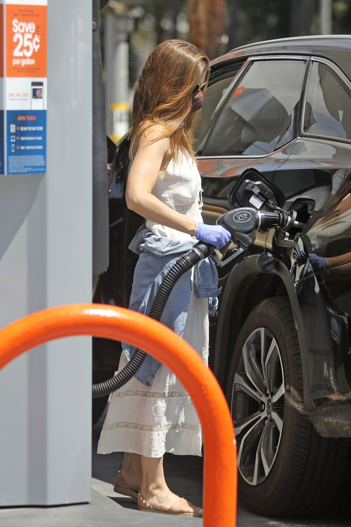 Kate Mara Gas Station Los Angeles