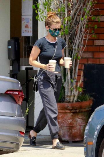 Kate Mara Out For Coffee Los Feliz