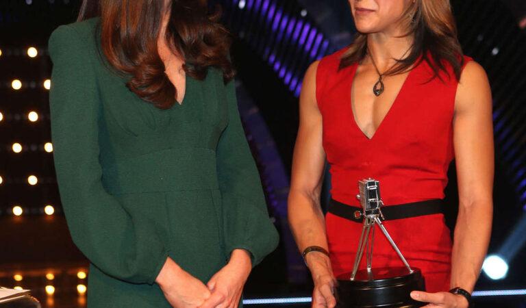Kate Middleton 2012 Bbc Sports Personality Year Awards Lodon (6 photos)