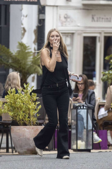 Kate Moss Out For Lunch With Friends London