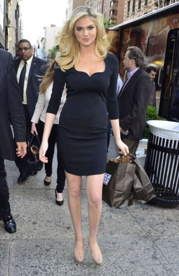 Kate Upton Leaves Some Office Building New York City
