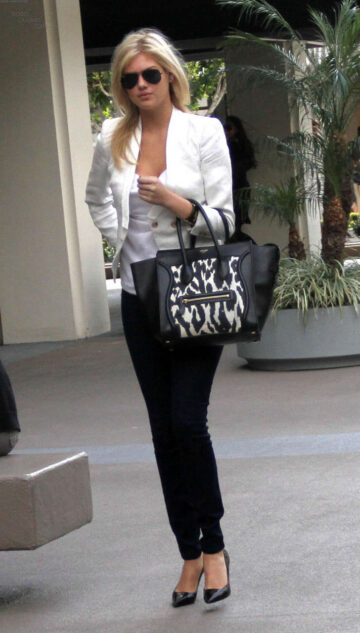 Kate Upton Leaving Meeting Los Angeles