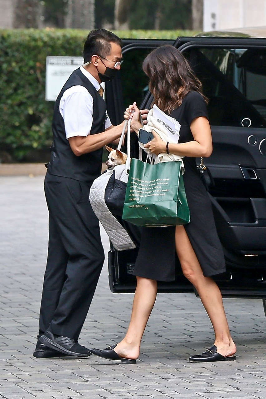 Katharine Mcphee Arrives Hotel Los Angeles