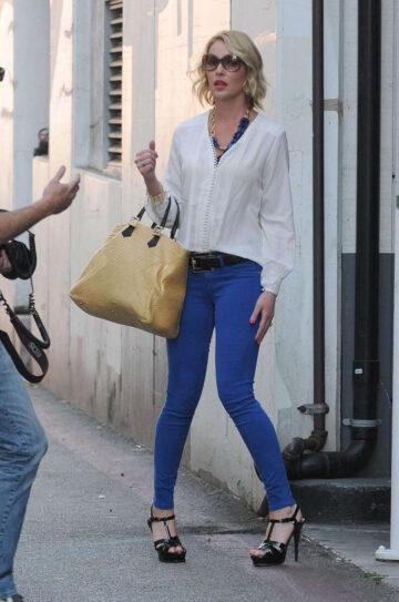 Katherine Heigl Tight Jeans Leaves Medical Building Los Angeles