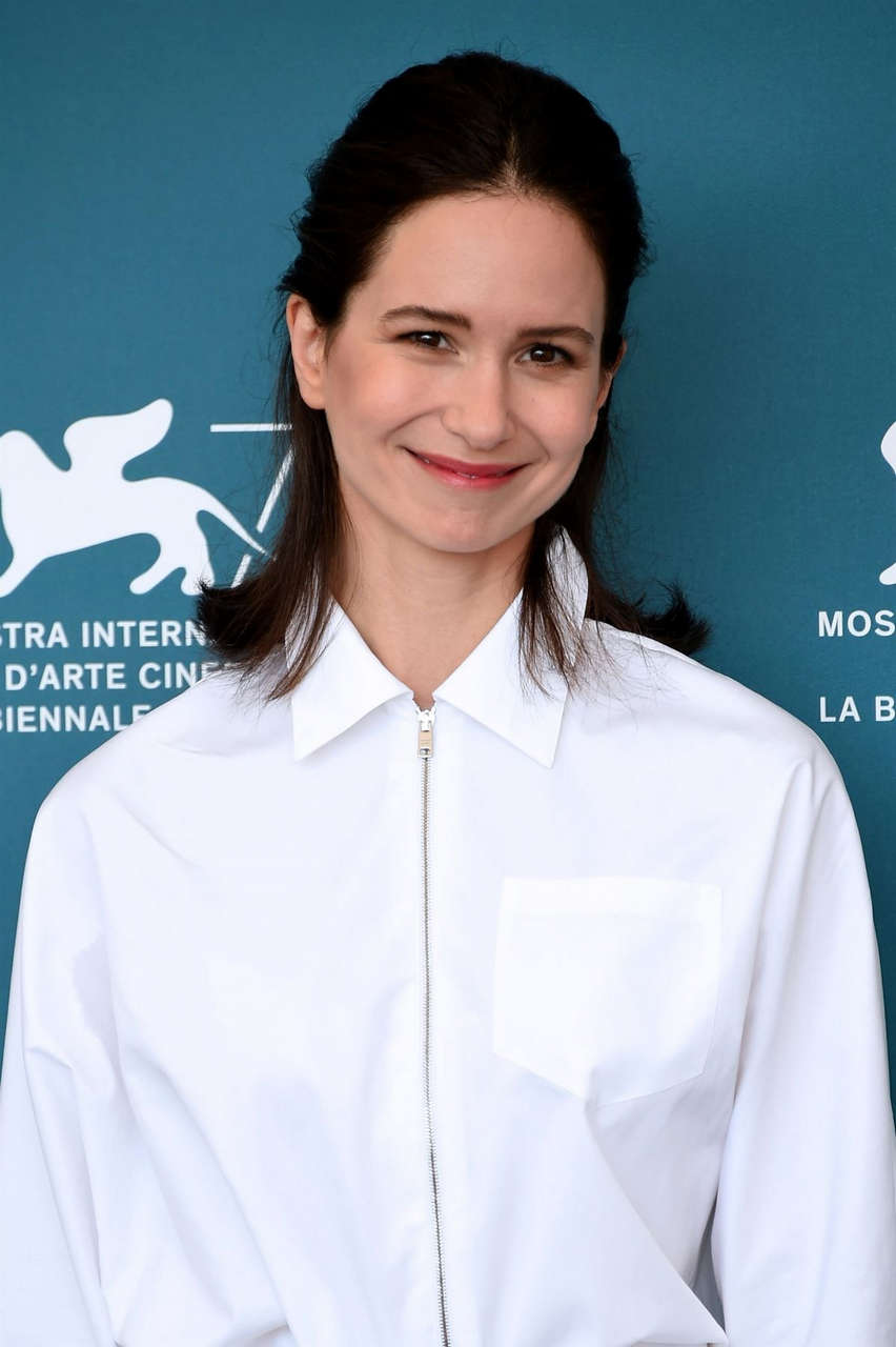 Katherine Waterston World To Come Photocall 77th Venice Film Festival