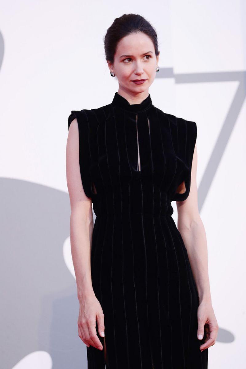 Katherine Waterston World To Come Premiere 2020 Venice Film Festival