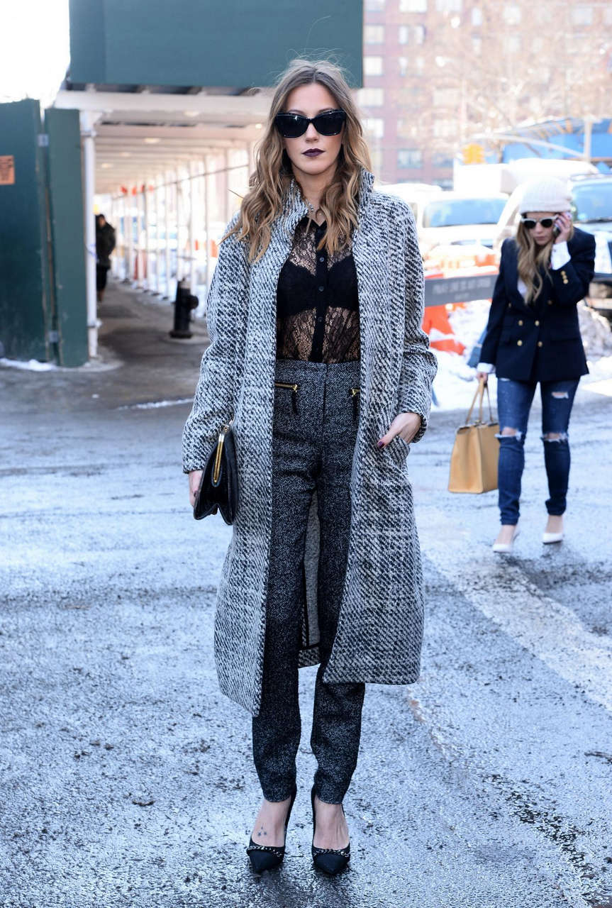 Katie Casidy Arrives Lincoln Centre During Mmercedes Benz Fashion Week New York