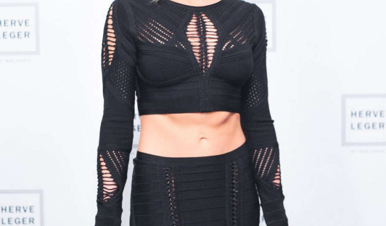 Katie Cassidy Herve Leger By Max Azria Fashion Show New York (3 photos)