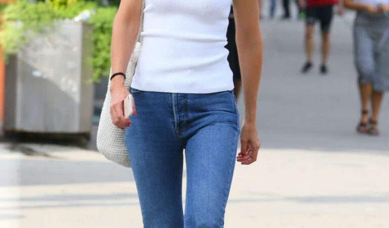 Katie Holmes Out About New York (16 photos)
