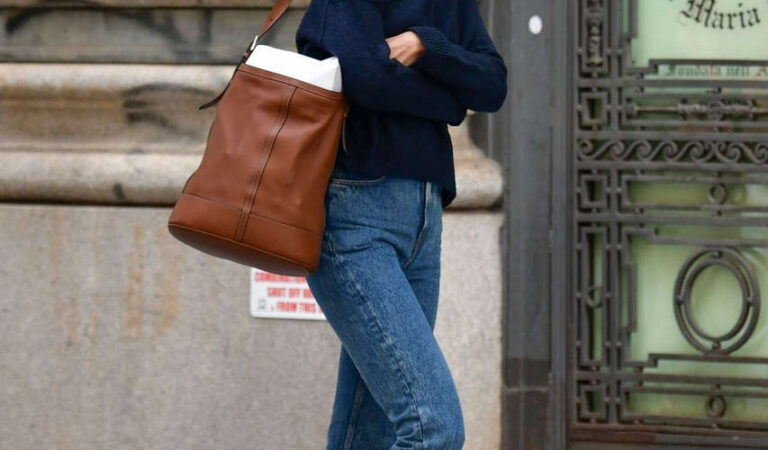 Katie Holmes Out New York (7 photos)