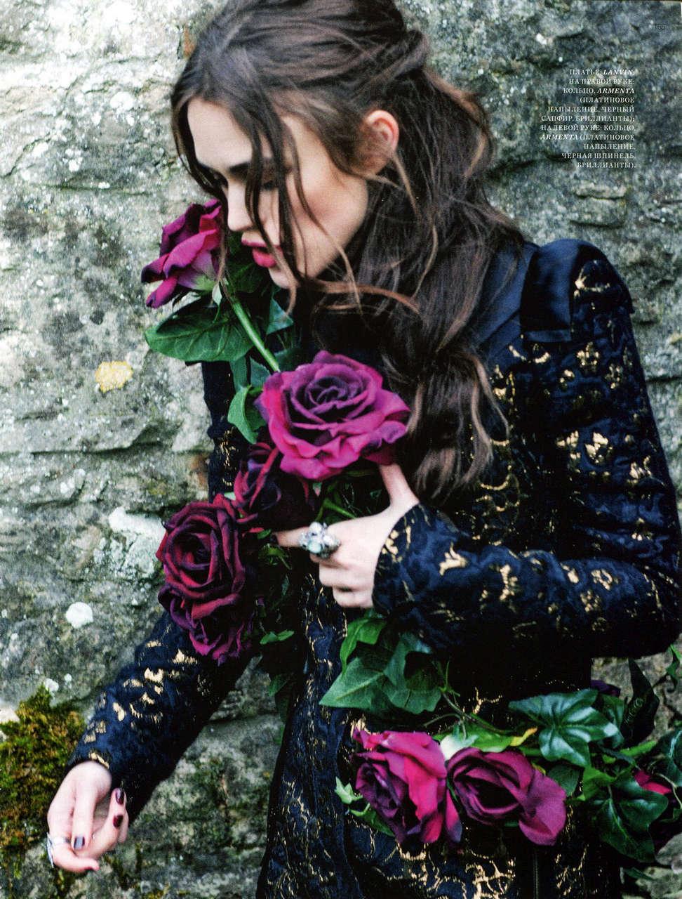 Keira Knightley Harpers Bazaar Magaziine Russia January 2013 Issue
