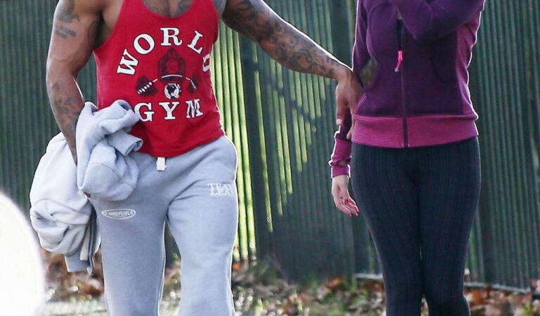 Kelly Brook Leggings Working Out With David Mcintosh London (32 photos)