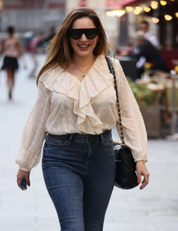 Kelly Brook Tight Jeans Arrives Heart Radio London