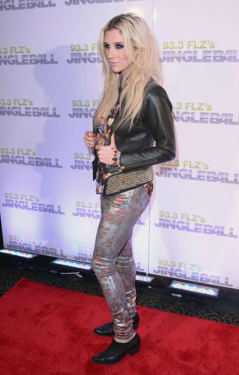 Kesha Sebert 93 3 Flzs Jingle Ball 2012 Tampa