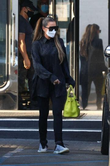 Khloe Kardashian Tristan Thompson Shopping Xiv Karats Beverly Hills