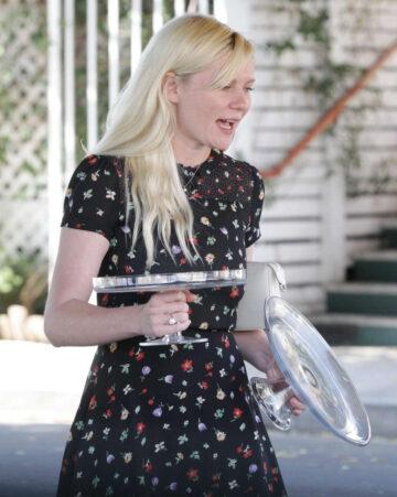Kirsten Dunst Baby Shower Off Vne Restaurant Hollywood