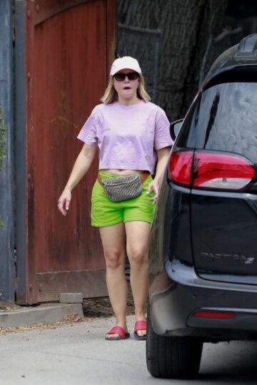 Kristen Bell Arrives Site Of Her New Home Los Feliz