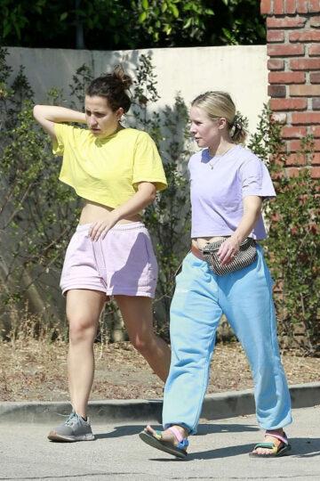 Kristen Bell Out With Friend Los Feliz