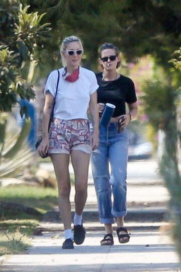 Kristen Stewart Dlan Meyer Out Los Feliz