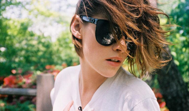 Kristen Stewart Harpers Bazaar Australia Magazine October 2015 (1 photo)