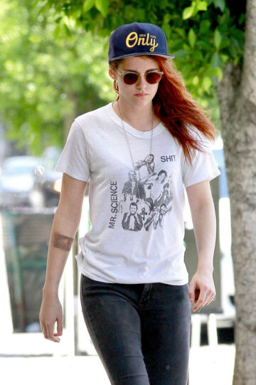 Kristen Stewart Out About Los Angeles