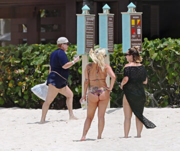 Lady Gaga Bikini Ass