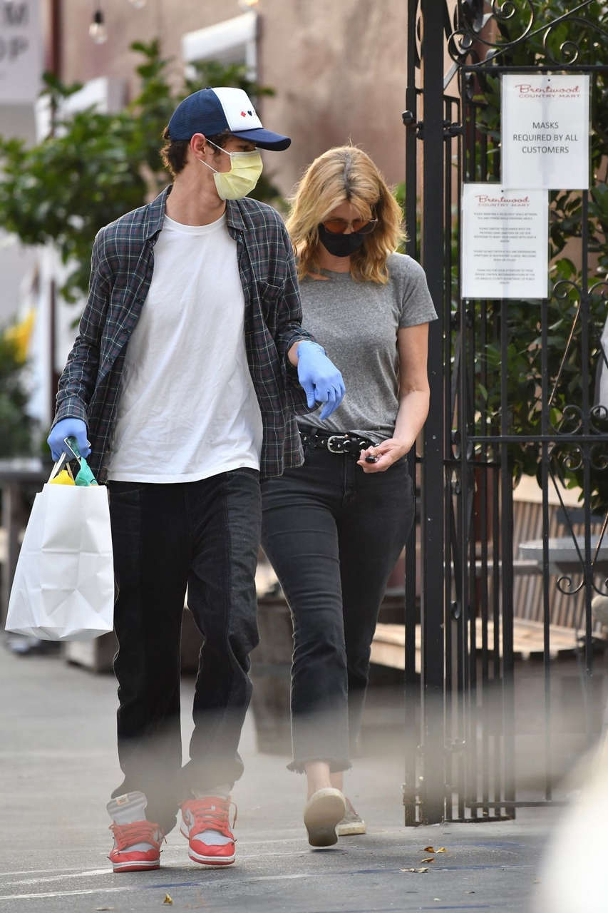 Laura Dern Brentwood Country Mart