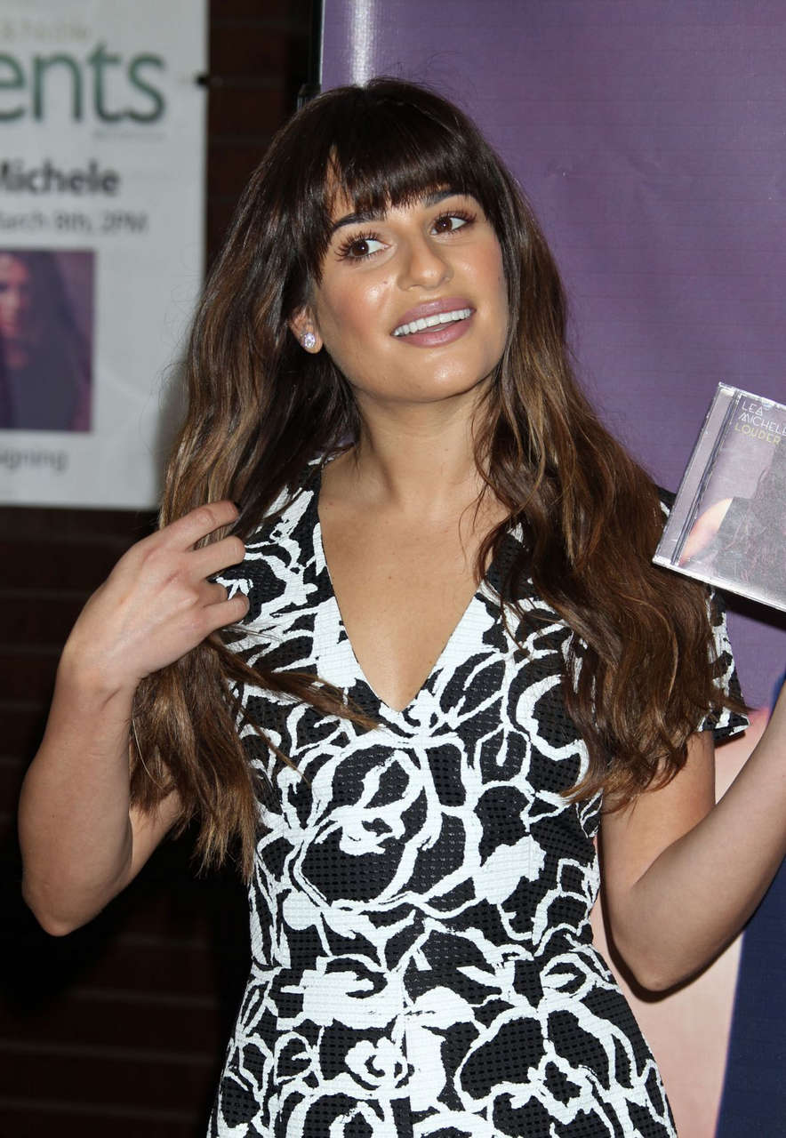 Lea Michele Cd Louder Signing Barnes Noble Grove Los Angeles
