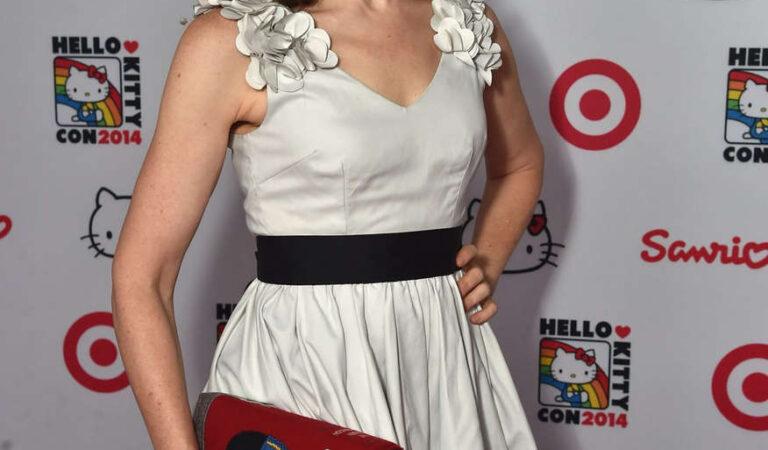 Lisa Loeb Hello Kitty Con 2014 Opening Night Party Los Angeles (6 photos)