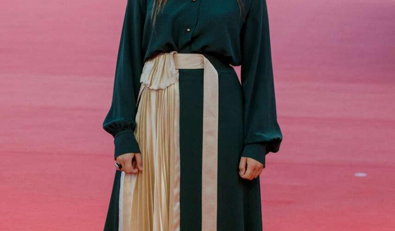 Luana Bajrami Les Deux Alfred Premiere 2020 Deauville American Film Festival (10 photos)