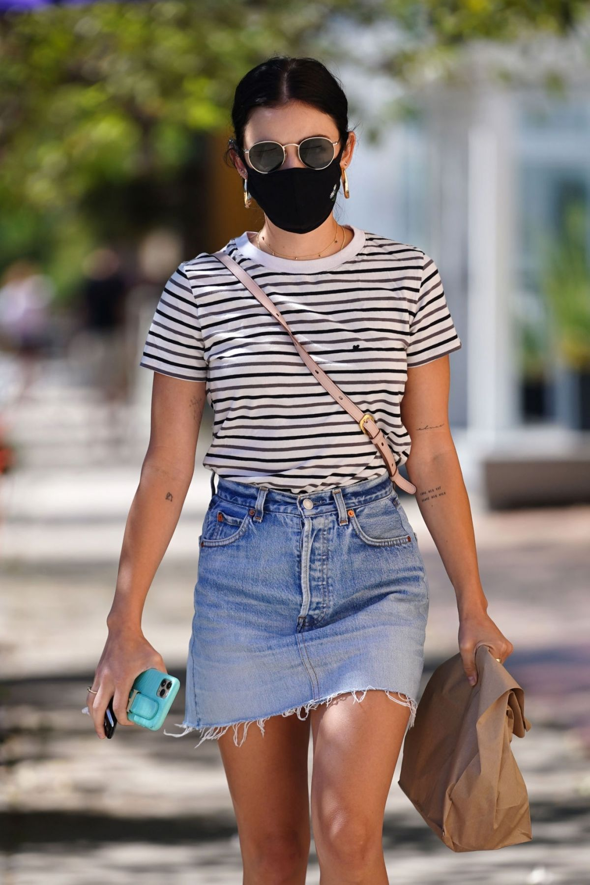Lucy Hale Picking Up Lunch Out Los Angeles