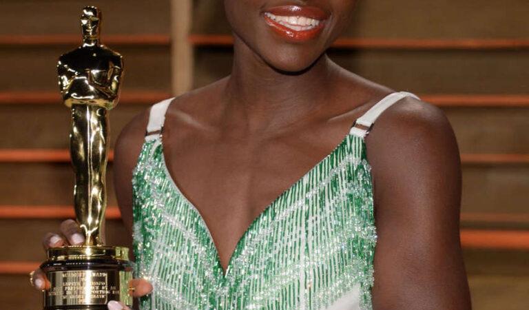 Lupita Nyong O Vanity Fair Oscar Party Hollywood (3 photos)
