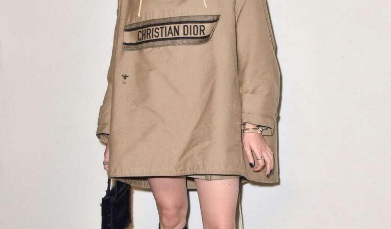 Maisie Williams Dior Fashion Show Paris (10 photos)