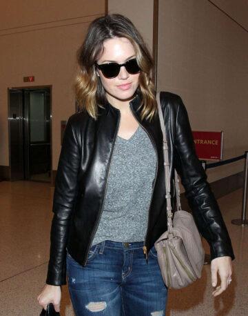 Mandy Moore Arrives Los Angeles International Airport