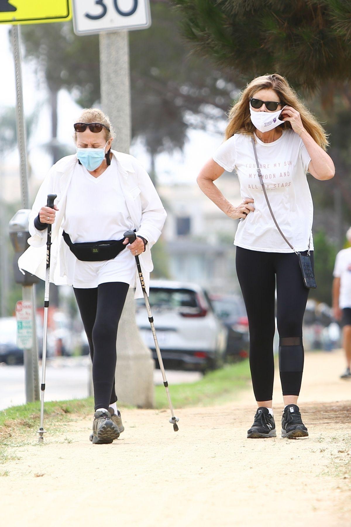 Maria Shriver Out Hiking Santa Monica