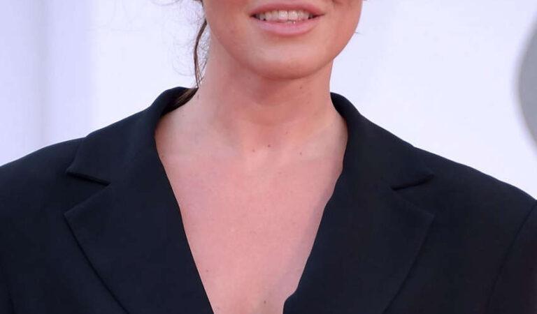 Melania Dalla Costa Never Gonna Snow Again Premiere 77th Venice Film Festival (7 photos)