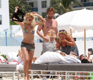 Michelle Hunziker Bikini Candids Beach Miami