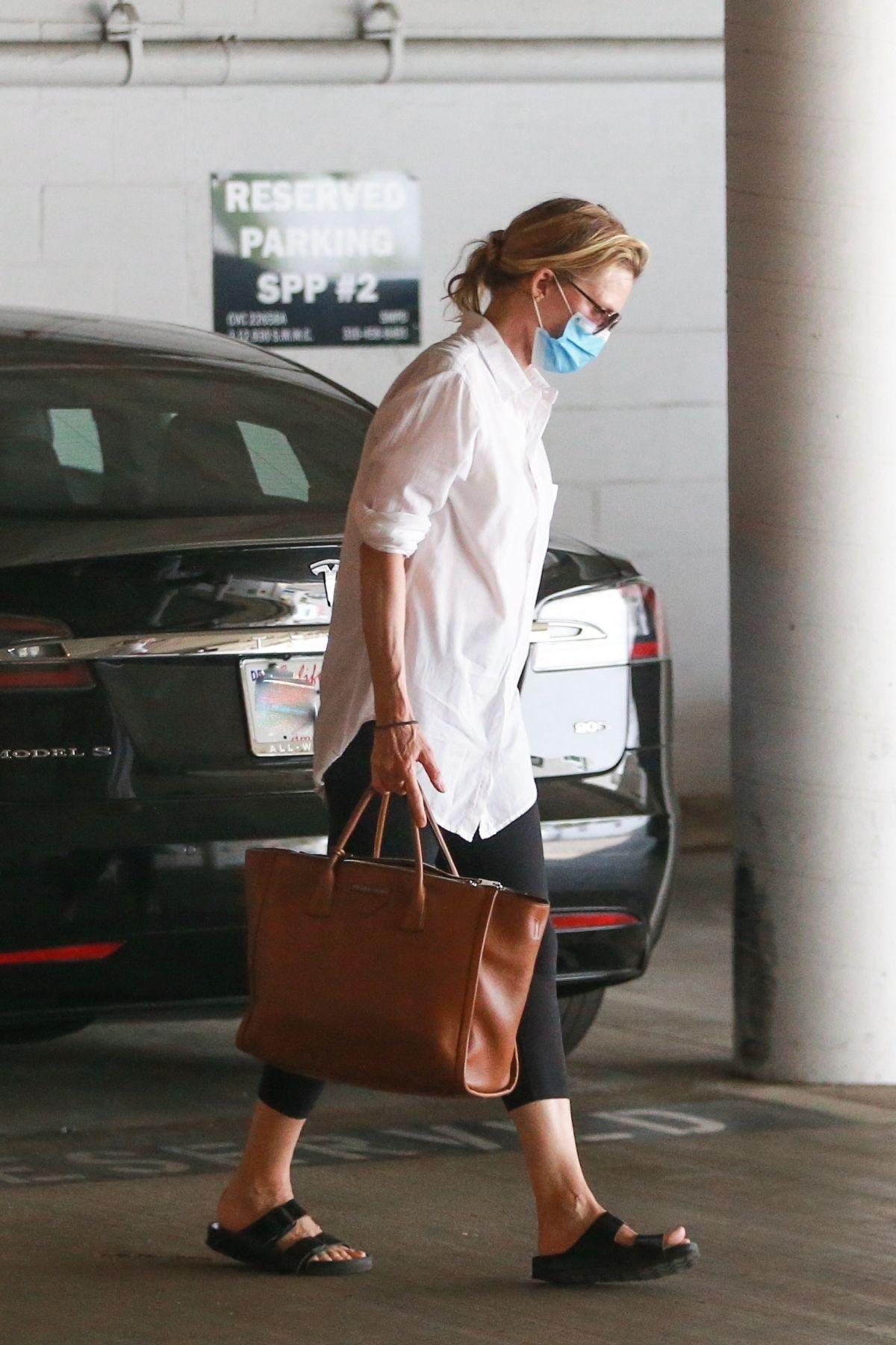 Michelle Pfeiffer Arrives Meeting Santa Monica