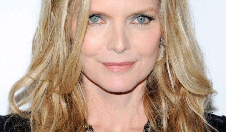 Michelle Pfeiffer Big Screen Achievement Awards Ceremony Cinemacon 2012 Las Vegas (6 photos)