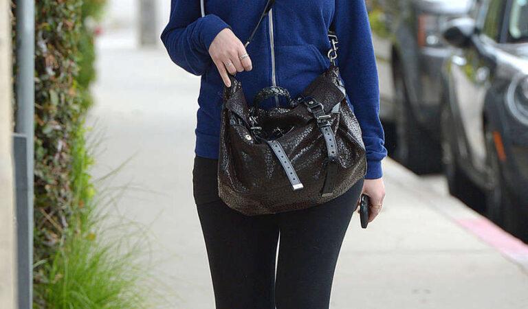 Michelle Trachtenberg Running Errands Los Angeles (5 photos)