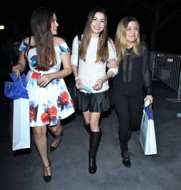 Miranda Cosgrove Jennette Mccurdy Arrives Katy Perry Concert In