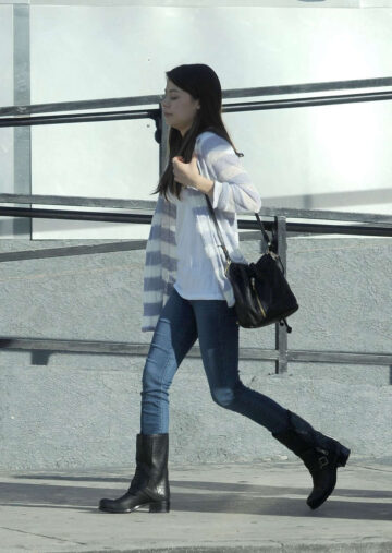 Miranda Cosgrove Out About Los Angeles