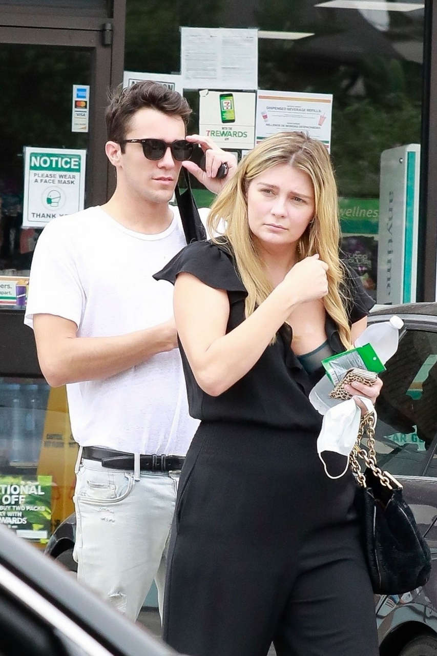 Mischa Barton Gian Marco Flamini Out Kissing Los Angeles