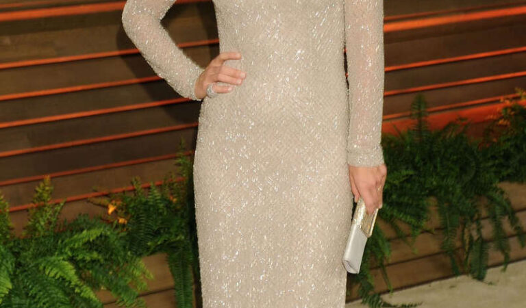 Molly Sims Vanity Fair Oscar Party Hollywood (8 photos)