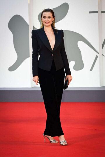 Nathalie Rapti Gomez Padrenostro Premiere 2020 Venice Film Festival