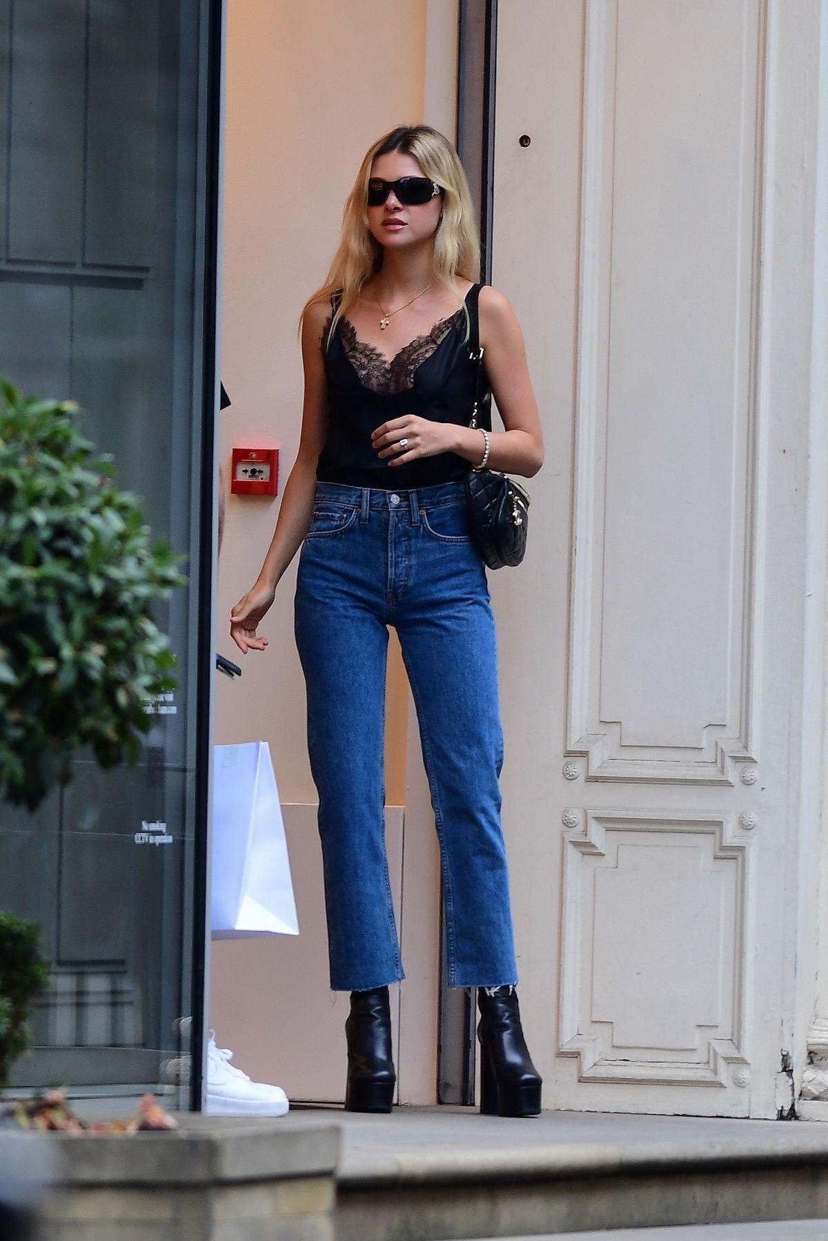 Nicola Peltz Brooklyn Beckham Leaves Victoria Beckhams Store London