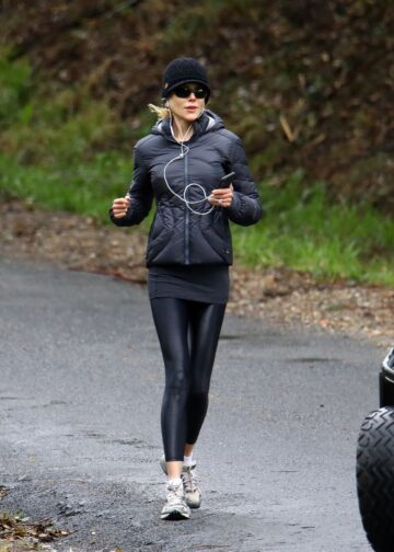 Nicole Kidman Out Jogging Byron Bay