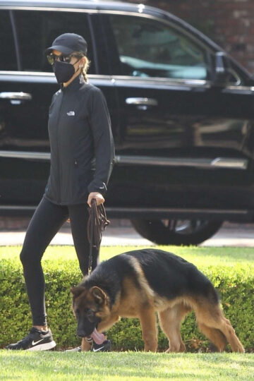 Nicole Richie Out With Her Dog Beverly Hills
