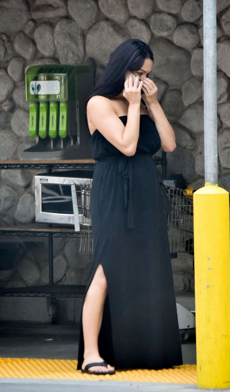 Nikki Bella Out Shopping Whole Foods Studio City